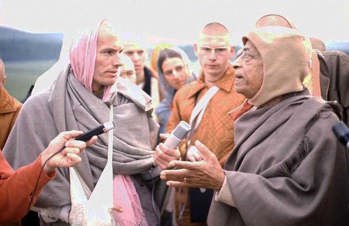 SRILA PRABHUPADA - EVERYONE'S DĪKṢĀ-GURU FOR THE NEXT 10.000 YEARS